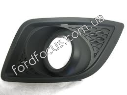 1375902 overlay bumper under left anti-fog headlamp